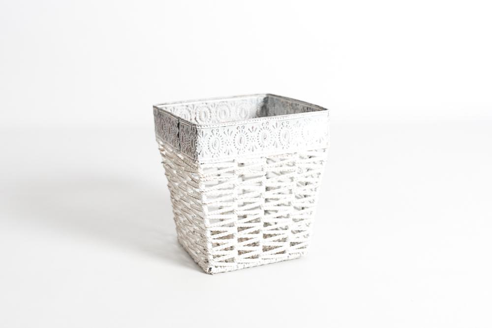 Macetero cuadrado metálico gris blanco