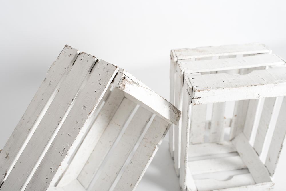 Caja fruta antigua blanca